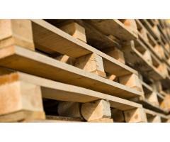 Робота на деревообробному підприємстві-виробництво дерев'яних палет.